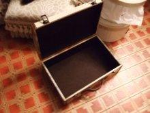 他の写真を見る3: ヴィクトリアンコラージュの木製トランク 限定入荷品