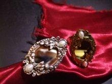 他の写真を見る2: 「鏡の指輪」ミラーリング