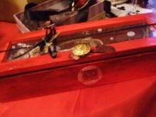 他の写真を見る3:  「喪失」小箱のコラージュ 歯車のネックレスつき