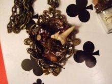 他の写真を見る2:  「喪失」小箱のコラージュ 歯車のネックレスつき