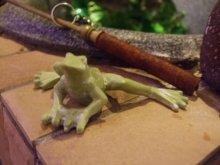 他の写真を見る2: 蛙のちいさな置物・グリーン ムーブ・フロッグ
