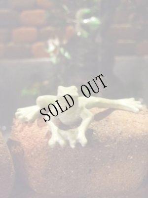 画像3: 蛙のちいさな置物・グリーン ムーブ・フロッグ