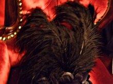 他の写真を見る2: 【再入荷】黒い薔薇の羽付き髪飾りヘッドドレス