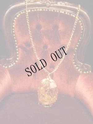 画像2: 麗しき御手を閉じ込めた金の鳥籠ネックレス。