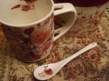 他の写真を見る1: 【再入荷】ボックスインマグカップ スプーンつき 薔薇と手紙のブーケ