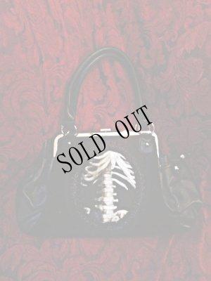 画像1: 再入荷【Ver.2】gothic handbag human skeleton 骨格装飾ヴェルベットバッグ