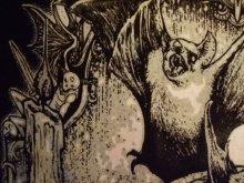 他の写真を見る3: タンクトップもあります。Black Vampire Altar, vampire skull and bats 2type