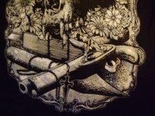 他の写真を見る2: タンクトップもあります。Black Vampire Altar, vampire skull and bats 2type
