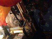 他の写真を見る3: 再入荷イギリスアンティークテイストフラワーシェードのタッチランプ レッド