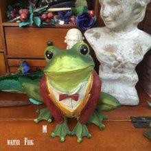 他の写真を見る1: the Waiter Frog  object doll