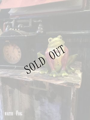 画像2: the Waiter Frog  object doll