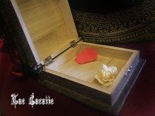 他の写真を見る3: Classic memory Box「薔薇色の音色」