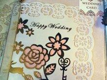 他の写真を見る1: 金箔押し薔薇レース切り絵ウエディングカード