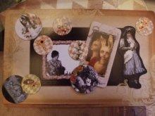 他の写真を見る1: 「アリスが落ちた穴の中 Dark Märchen Show!!」豪華版 ART ALBUM+DVD