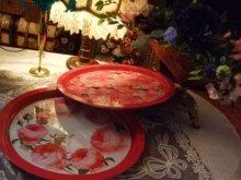 他の写真を見る3: 薔薇のブリキの円形ブリキトレイ
