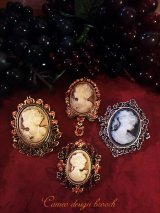 Antique design cameo style brooch カメオデザインブローチ