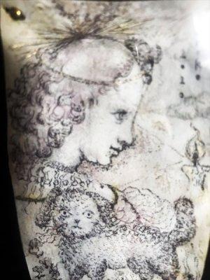 画像2: uroko-額入り絵 羊皮紙ドローイング「この子をみまもる」